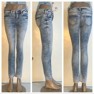 "Silver Jeans Distressed Acid Wash  29"" Inseam"